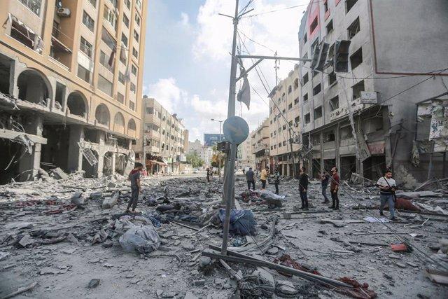 Archivo - Daños materiales en Ciudad de Gaza tras un bombardeo de Israel en la Franja