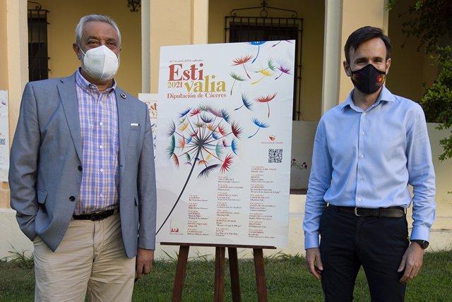 El presidente de la Diputación de Cáceres, Carlos CArlos, presenta el programa Estivalia
