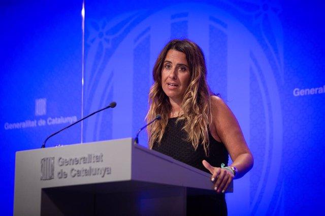 La portavoz del Govern de Cataluña, Patricia Plaja, interviene en una rueda de prensa posterior a una reunión del Consell Executiu del Govern de Cataluña, en Barcelona, Cataluña, (España).