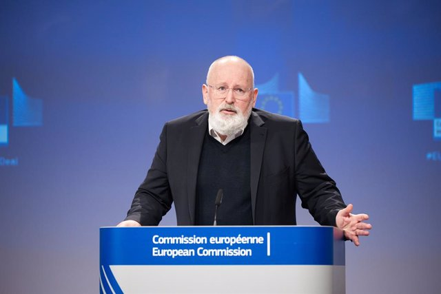 """Archivo - FILED - 24 February 2021, Belgium, Brussels: European Commissioner for European Green Deal Frans Timmermans speaks during a press conference on """"Building a Climate-Resilient Future - A new EU Strategy on Adaptation to Climate Change"""" at the EU h"""