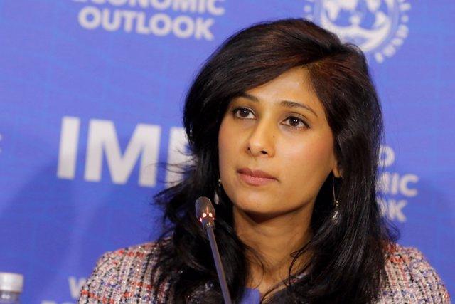 Archivo - Gita Gopinath, economista jefe del FMI