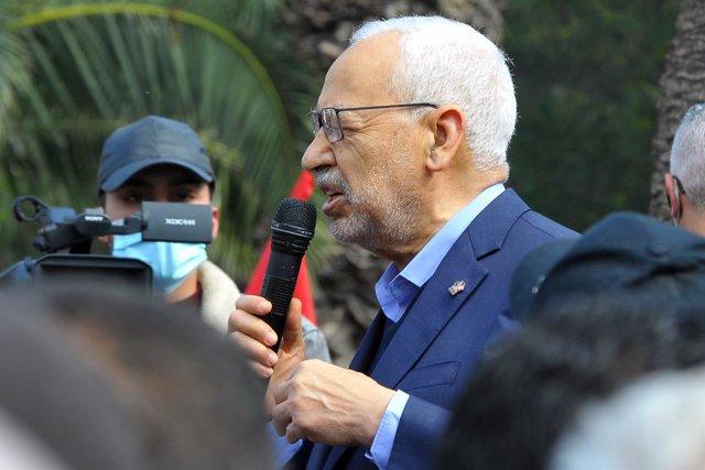 Archivo - El presidente del Parlamento de Túnez y líder del partido islamista Ennahda, Rachid Ghanuchi