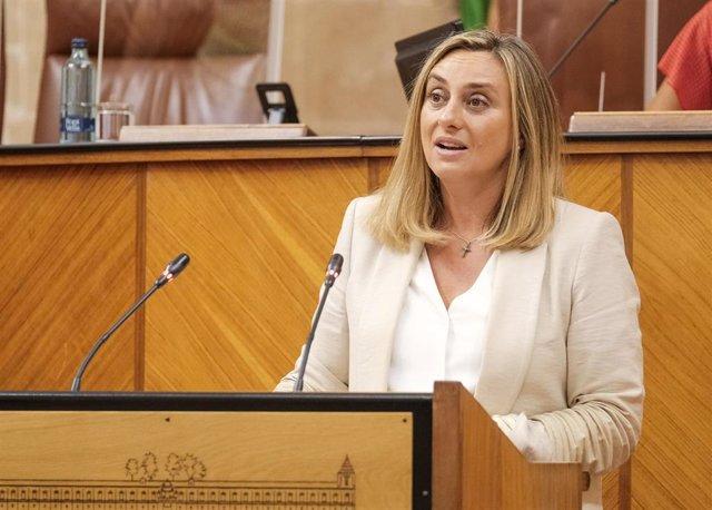 La consejera de Fomento, Infraestructuras y Ordenación del Territorio, Marifrán Carazo, comparece en el Parlamento andaluz.