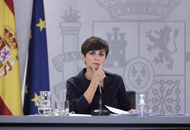 La ministra de Política Territorial y portavoz del Gobierno, Isabel Rodríguez, en una rueda de prensa posterior al Consejo de Ministros celebrado en Moncloa, a 27 de julio de 2021, en Madrid (España). El Gobierno ha aprobado este martes una Oferta de Empl