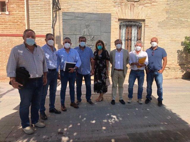 La delegada de Salud y Familias, María Jesús Botella, en su visita a Fuente Palmera.