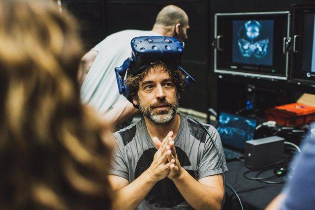 Archivo - Igor Cortadellas, director del proyecto Symphony, un viaje virtual al corazón de la música clásica, en un instante del rodaje de la película