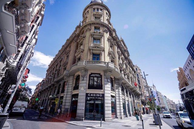 Archivo - Fachada y puerta del Casino Gran Vía Madrid ubicado en la Gran Vía madrileña, en Madrid, (España)
