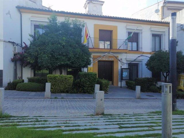 Archivo - Ayuntamiento de Guadalcázar, en una imagen de archivo.