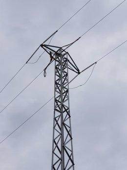 Una líneas eléctricas en el municipio de La Nou de Gaià (Tarragona)