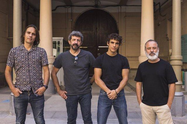 L'equip del film 'Modelo 77': el guionista, Rafael Cobos; el director, Alberto Rodríguez, i els portagonistes, Miguel Herrán i Javier Gutiérrez
