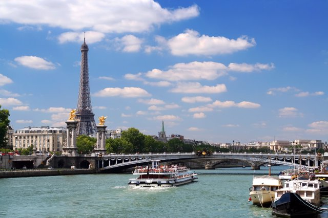Archivo - París
