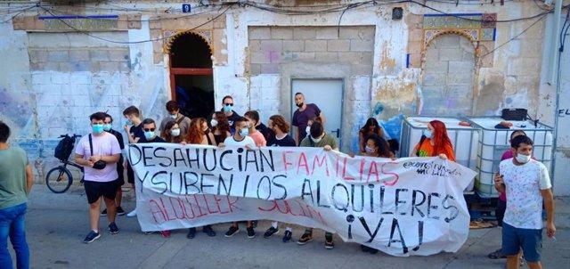 Protesta contra un desallotjament en el barri de Malilla