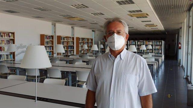 Es novelista Andrés Nadal dirige el curso 'Escritura de Novela' de la UNIA.