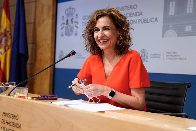 La ministra d'Hisenda i Funció Pública, Maria Jesús Montero, intervé en una roda de premsa posterior a una reunió del Consell de Política Fiscal i Financera, a 28 de juliol de 2021, a Madrid, (Espanya).