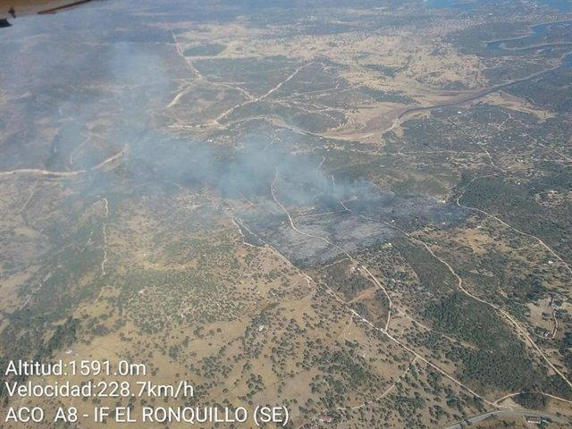 Imagen aérea del incendio de El Ronquillo