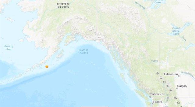 Terratrèmol de magnitud 8,2 en l'escala oberta de Richter davant la costa d'Alaska (EUA)
