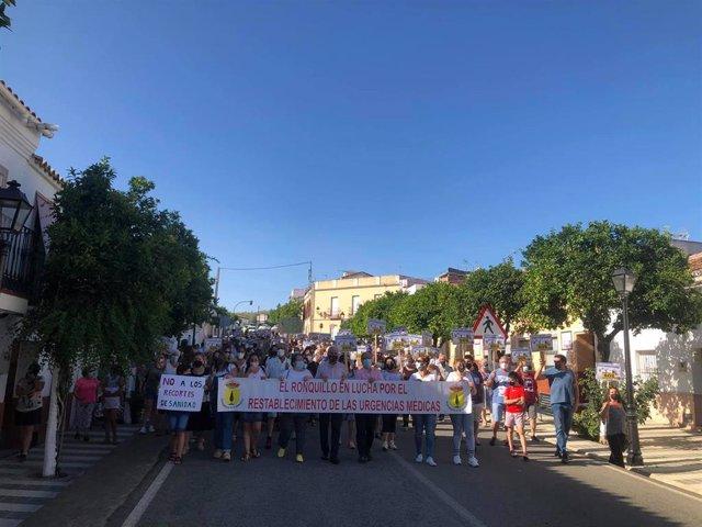 Manifestación en El Ronquillo por la merma de servicios sanitarios