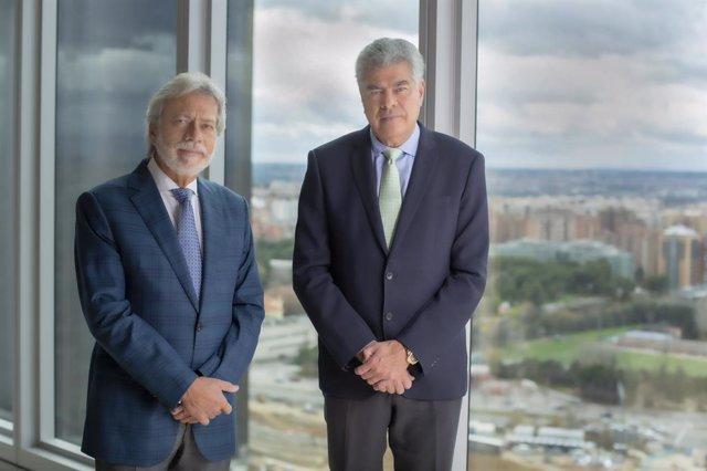 Archivo - Luis Amodio y Mauricio Amodio, presidente y consejero dominical de OHL