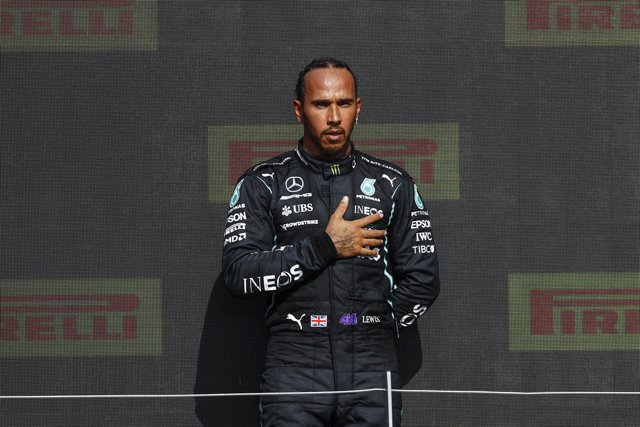 HAMILTON Lewis (gbr), Mercedes AMG F1 GP W12 E Performance, portrait podium during the Formula 1 Pirelli British Grand Prix 2021, 10th round of the 2021 FIA Formula One World Championship from July 16 to 18, 2021 on the Silverstone Circuit, in Silverstone