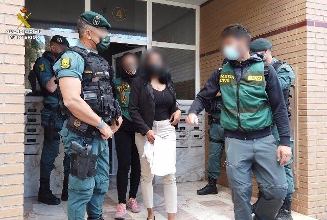 La Guàrdia Civil deté 10 persones que explotaven sexualment a dones procedents de Sud-amèrica i allibera a 5 dones