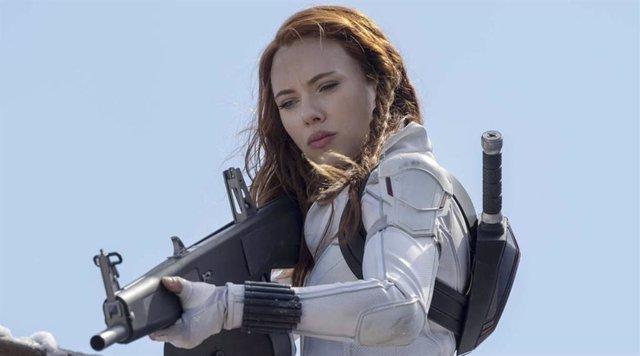 Guerra total entre Scarlett Johansson y Disney por el estreno de Viuda Negra en streaming