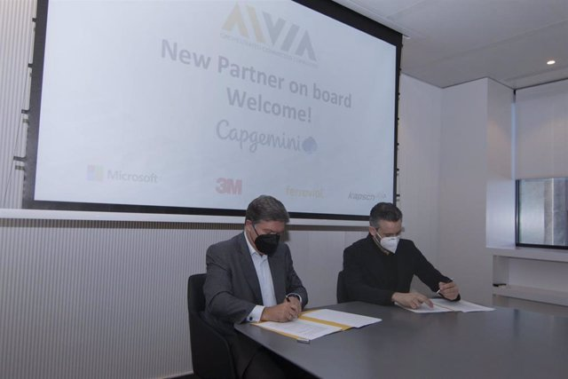 Firma del acuerdo entre Capgemini y Ferrovial
