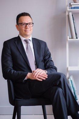 EL director general de Medicines for Europe, Adrian van den Hoven