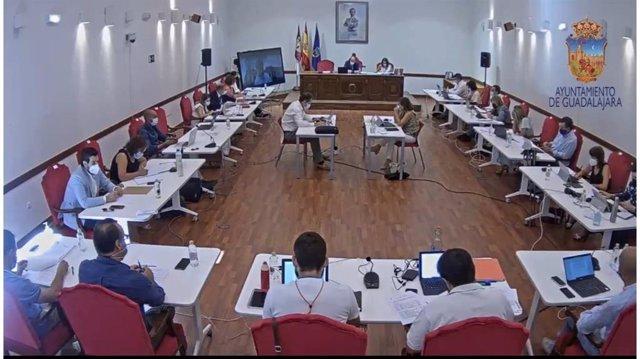 Pleno en el Ayuntamiento de Guadalajara.