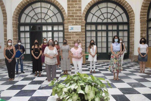 Lectura del manifiesto 'Se trata de personas' contra la trata en la Diputación de Cádiz.