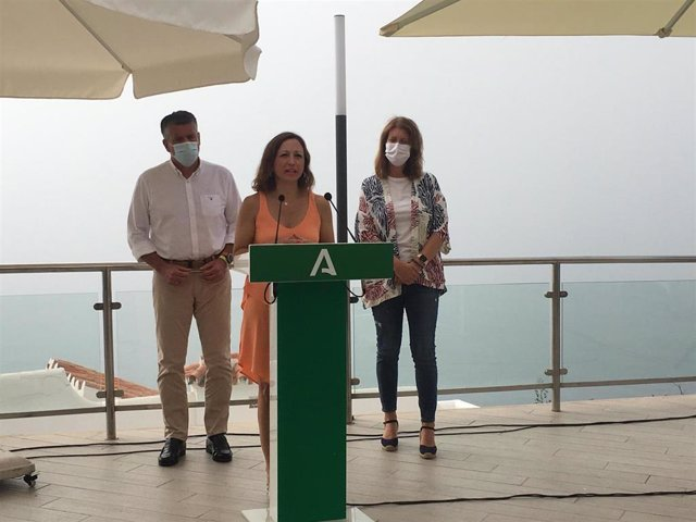 La delegada del Gobierno en Málaga, Patricia Navarro, visita la localidad malagueña de Nerja .