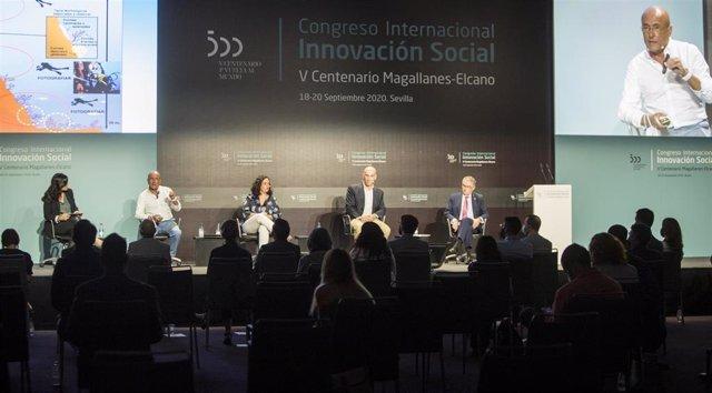 Archivo - Instantánea de los participanes del Congreso Internacional Magallanes-Elcano