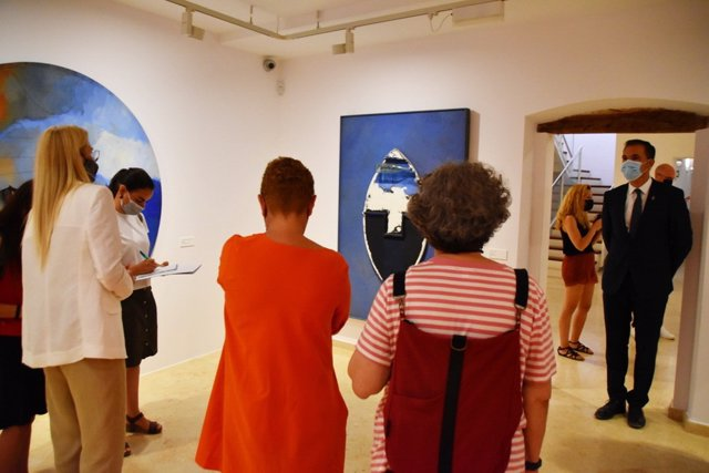 El Espai Carmen Thyssen se acerca al universo de Josep Guinovart en una exposición