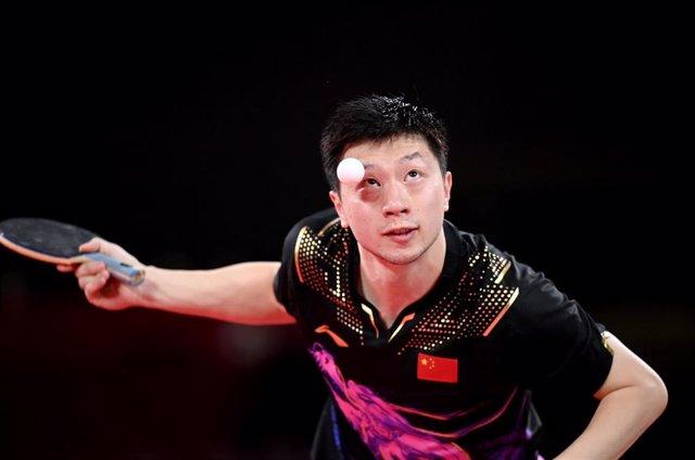 El campeón olímpico de tenis de mesa Ma Long