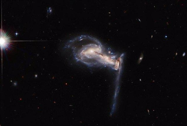 Sistema galáctico Arp 195,