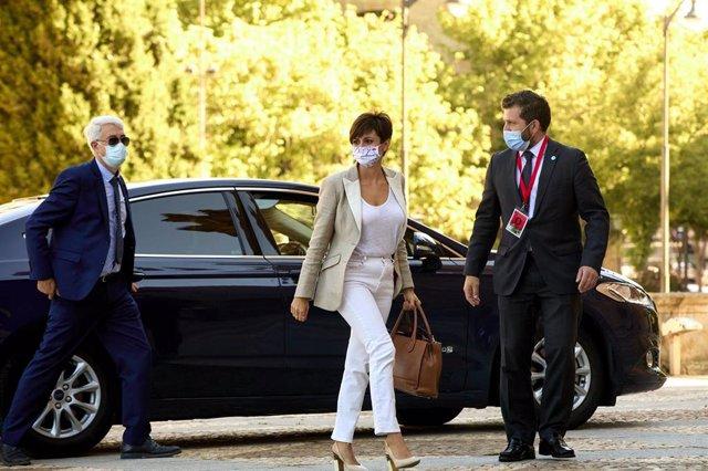 La ministra de Política Territorial, Isabel Rodríguez, a su llegada a la Plaza Mayor de Salamanca para celebrar la XXIV Conferencia de Presidentes, a 30 de julio de 2021, en Salamanca, Castilla y León (España). Los tres grandes temas a tratar en esta reun