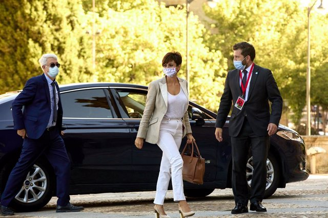 La ministra de Política Territorial, Isabel Rodríguez, a la seua arribada a la Plaça Major de Salamanca per a celebrar la XXIV Conferència de Presidents, a 30 de juliol de 2021, a Salamanca, Castella i Lleó (Espanya).