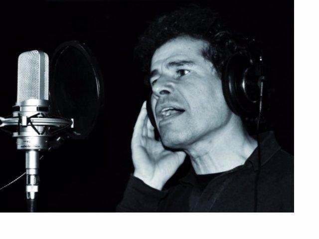 El cantautor Antonio Escarpa