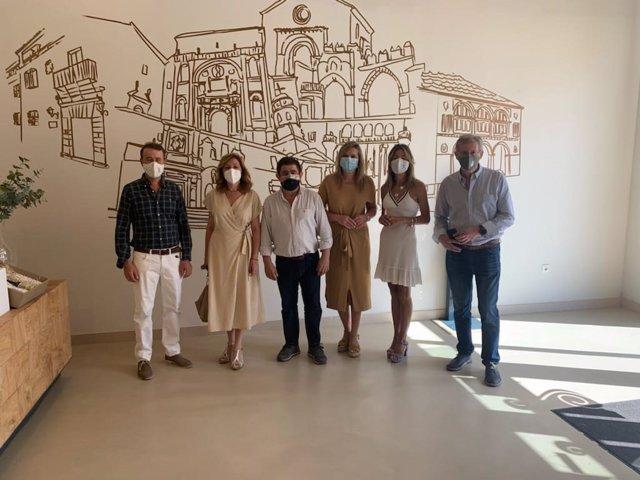 Francisco Reyes visita la cooperativa El Alcázar de Baeza (Jaén)