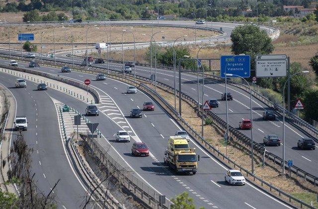 La autovía A-3, en dirección Arganda del Rey en Madrid, (España).