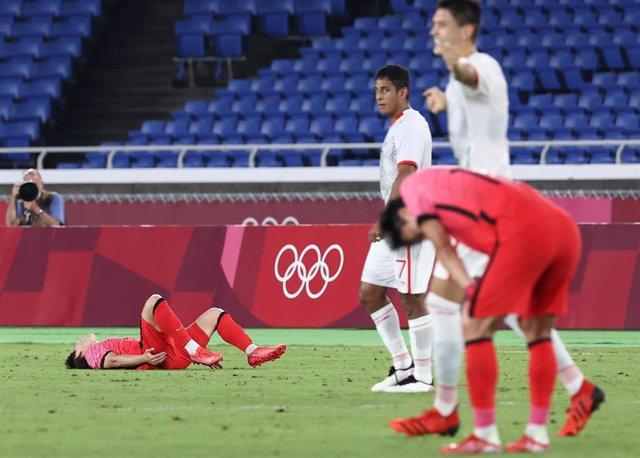 Los jugadores mexicano celebran el pase a semifinales del torneo masculino de fútbol Tokyo 2020 tras derrotar a Corea del Sur por 6-3
