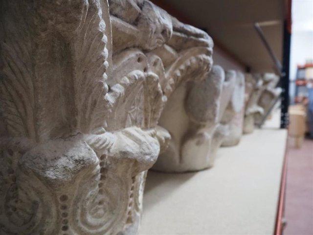 Capiteles en deposito Museo Bellas Artes.