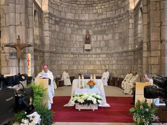 Archivo - El obispo de Vitoria, Juan Carlos Elizalde, en el día de Nuestra Señora de Estibaliz