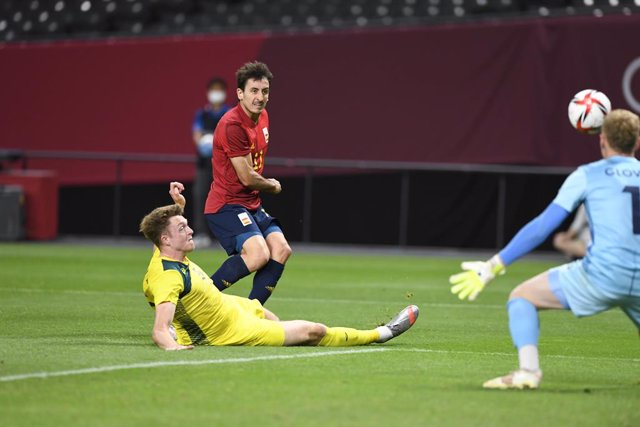 OYARZABAL Mikel (ESP) Harry SOUTTAR (AUS) during the Olympic Games Tokyo 2020, Football Men's First Round Group C on July 25, 2021 at Sapporo Dome in Sapporo, Japan - Photo Photo Kishimoto / DPPI