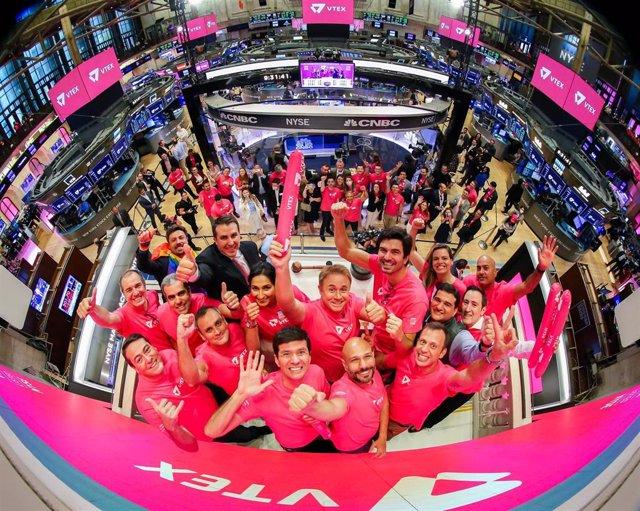Archivo - El equipo de VTEX en su salida a Bolsa en Nueva York