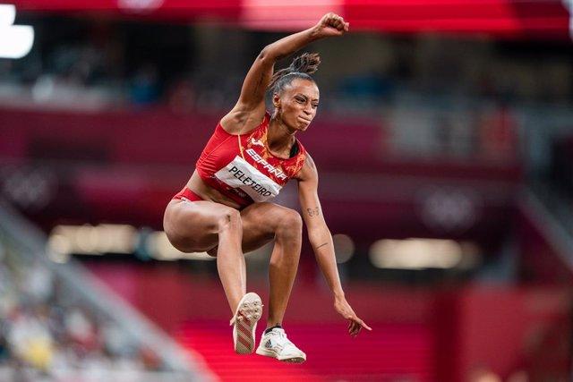 Ana Peleteiro, del Equipo Español, bronce en la final de triple salto de atletismo, durante los JJOO 2020, a 1 de agosto, 2021 en Tokio, Japón