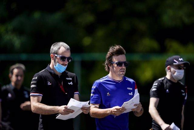 29 July 2021, Hungary, Mogyorod: Spanish f1 driver Fernando Alonso of Alpine F1 Team is seen during preparations of the Grand Prix of Hungary Formula One race at the Hungaroring track. Photo: James Gasperotti/ZUMA Press Wire/dpa