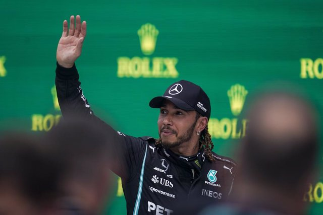 01 August 2021, Hungary, Mogyorod: British F1 driver Lewis Hamilton of Mercedes-AMG F1 Team celebrate on the podium after finishing in third place during the Grand Prix of Hungary Formula One race at the Hungaroring track. Photo: James Gasperotti/ZUMA Pre