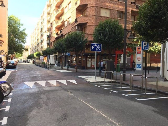 Nueva plataforma de la calle Belchite de Logroño