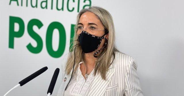 Archivo - La senadora socialista y alcaldesa de Cartaya, Pepa González Bayo.
