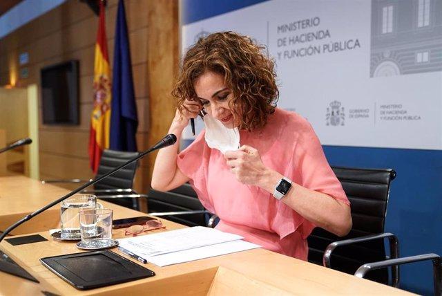 La ministra de Hacienda y Función Pública, María Jesús Montero, en la rueda de prensa tras la Conferencia Sectorial del Plan de Recuperación, Transformación y Resiliencia